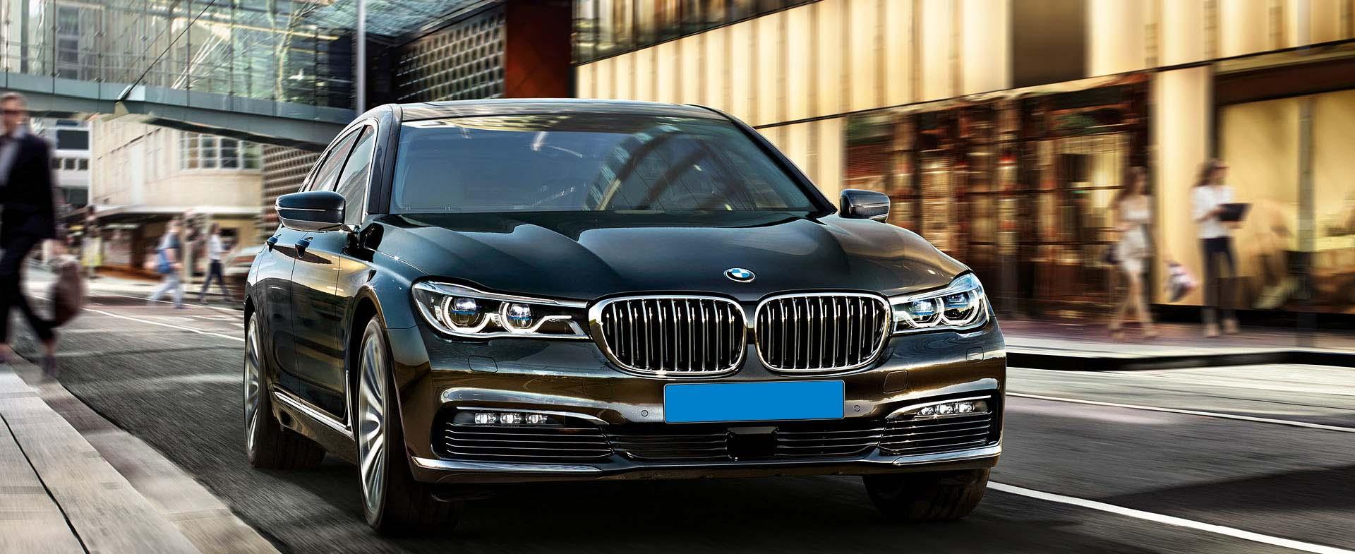 BMW 7 van de Eindhoven Taxi Dienst
